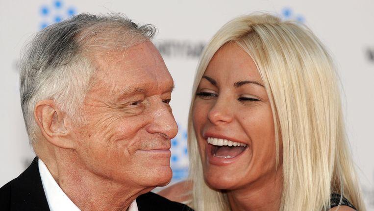 Hugh Hefner met zijn veel jongere vrouw. Hij is een statistische uitzondering. Beeld AFP