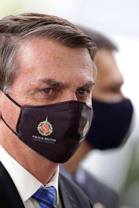 Jair Bolsonaro, en quarantaine, annonce qu'il va subir un nouveau test