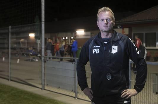 Fortissimo-trainer Paul Bremer greep in het coronaseizoen naast promotie, maar hoopt dit seizoen toch écht te promoveren naar de derde klasse.