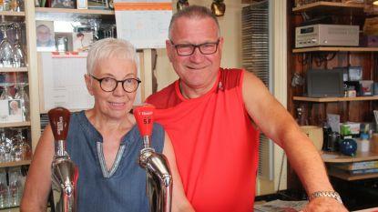 Godelieve (65) en Patrick (60) laatste weken achter toog café 't Hoefijzer