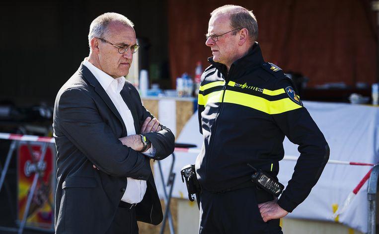 Burgemeester Adriaan Hoogendoorn (L) Beeld anp