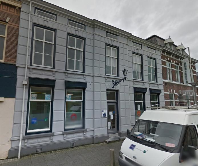 Het pand aan de Nieuwstraat 20 dat volgens de twee heemkundige verenigingen bescherming verdient.