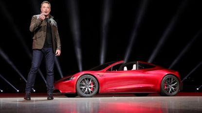 Elon Musk wil de Tesla Roadster laten vliegen. En nee, dat is geen grap