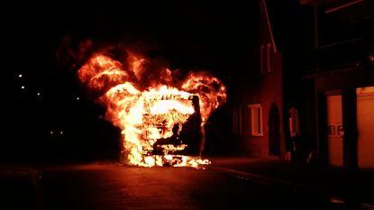Lijnbus volledig uitgebrand in Boorsem