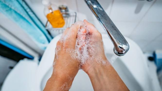 """Handen wassen helpt: """"Coronavirus overleeft 9 uur op de huid"""", stelt Japanse studie"""