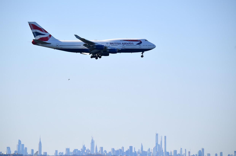 Een vliegtuig landt in New York.
