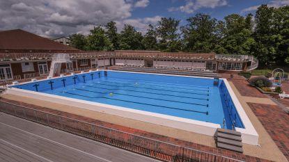 Onduidelijk wanneer openluchtzwembad heropent, nadat miljoen liter water wegliep