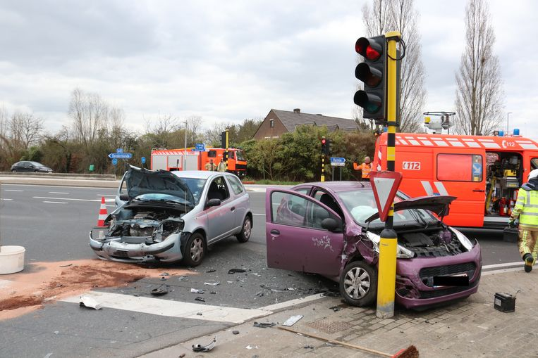 Het ongeval gebeurde aan het kruispunt van Bierland.