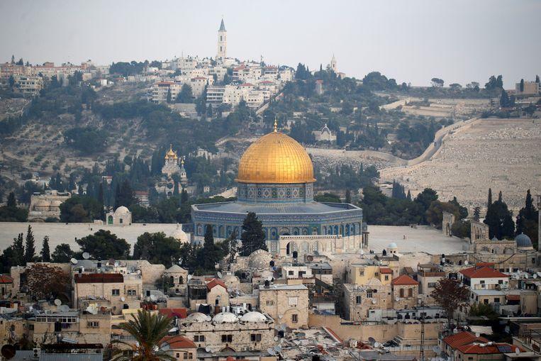 De status van Jeruzalem is één van de neteligste kwesties in het Midden-Oosten. Trump beloofde het Israëlisch-Palestijnse conflict op te lossen, maar lijkt nu met de botte bijl tekeer te gaan.