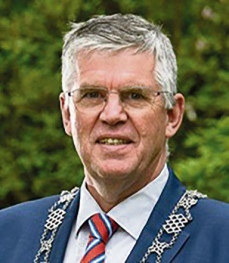Wat vind jij: kan André Baars burgemeester van Ermelo blijven of moet hij weg?