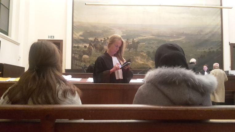 Mahacine B. stond in tranen voor de rechter. De vrouw kan tot 30 jaar cel krijgen.