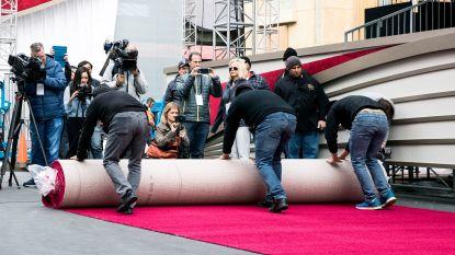 IN BEELD. Academy rolt rode loper uit voor Oscars