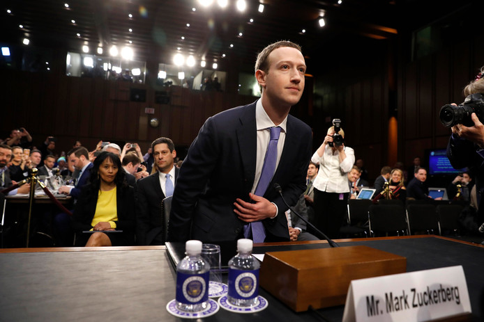 Facebookbaas Mark Zuckerberg eerder dit jaar bij zijn verhoor in Washington.