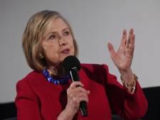 """Hillary Clinton s'en prend à une candidate démocrate: """"Elle est la favorite des Russes"""""""