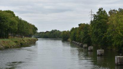 Driehonderd meter lang oliespoor op kanaal in Lanaken: mogelijk kwaad opzet