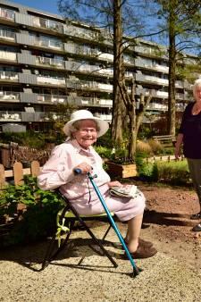 Gesteggel over gemeenschappelijke tuin ouderen in Gouda: 'Dit pad is gewoon niet te doen'