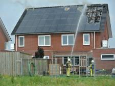 Kortsluiting in zonnepanelen veroorzaakt uitslaande brand in Lemelerveld