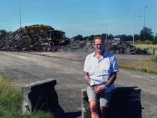Wat doet die gigantische berg asfaltpuin op de grenspost in Nispen?