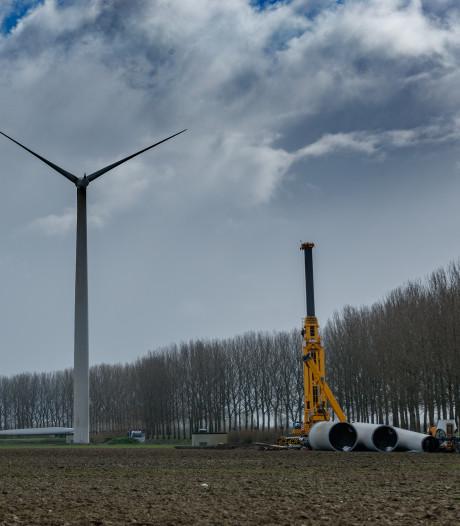 Windmolens tussen Etten-Leur en Zevenbergen wijken voor veel grotere turbines