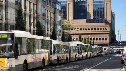"""De oplossing voor de busvertragingen aan Leopold II-tunnel: """"Neem de bus!"""""""