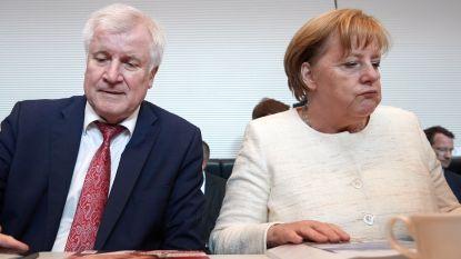 """""""Merkel met haar rug tegen de muur"""": rebellie in eigen partij tegen bondskanselier over migratie"""
