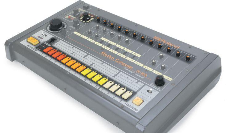 De drumcomputer Roland TR-808 uit 1980 wordt nog steeds op grote schaal gebruikt. Beeld de Volkskrant