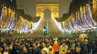 """Nieuwe kerstverlichting Kortrijk 'even duur als in Parijs': """"Aprilgrap?"""""""