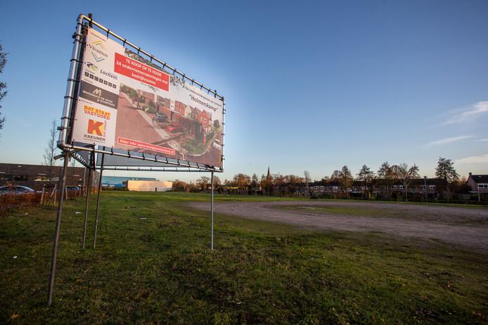 Nu is er alleen nog maar een braakliggend stuk grond te zien op de plek waar huizen moeten komen. Bouwbedrijf Kreunen verwacht dat in het vierde kwartaal van dit jaar een begin kan worden gemaakt met de Ondernemersstraat. Maar in het straatje zullen niet alleen ondernemers komen te wonen.
