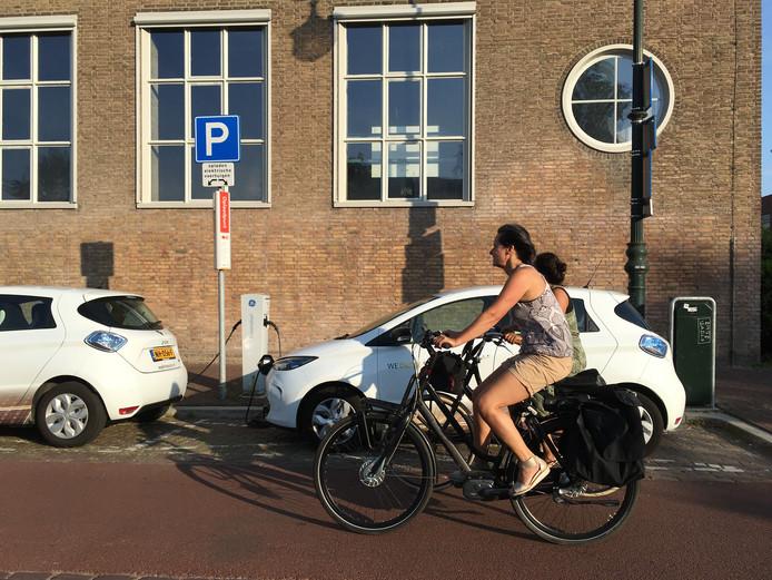 Utrecht Krijgt Als Eerste Superslimme Laadpalen Waar Auto Zowel Kan