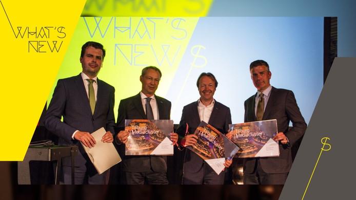 Vlnr wethouder Berend de Vries, Jan Welmers (Fontys), Fred van de Westelaken (ROC Tilburg) en Koen Becking (Tilburg University) zetten de eerste stap richting een Mediacluster.
