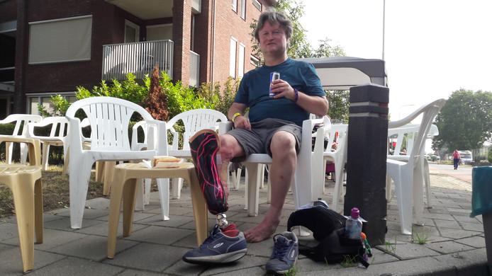 Ronald Haanstra uit Malden loopt de Vierdaagse op een prothese.