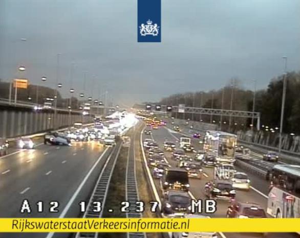 Groot ongeluk op A12 bij Zoetermeer, 07-11-2018
