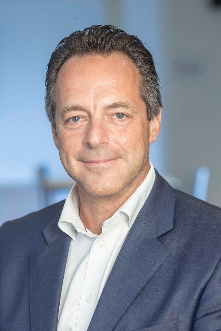 Peter Van Laer.