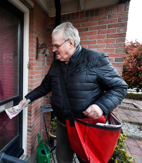 Frans (79) uit Almelo brengt al 50 jaar kranten rond: 'Ik ben nooit ziek'