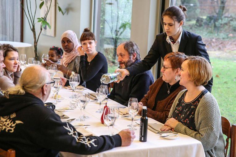 De bediening gebeurde door leerlingen van het vijfde jaar 'restaurant-keuken'.