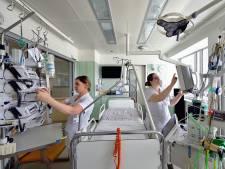 Zij lieten zich omscholen tot IC-verpleegkundige: 'Het gaat om leven en dood'