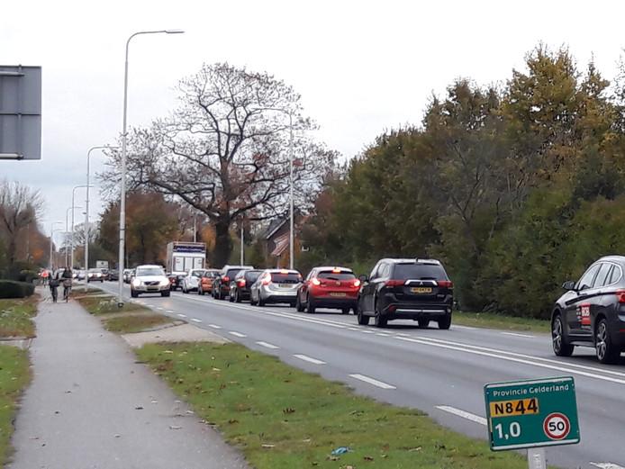 Langzaam rijdend verkeer in Malden.