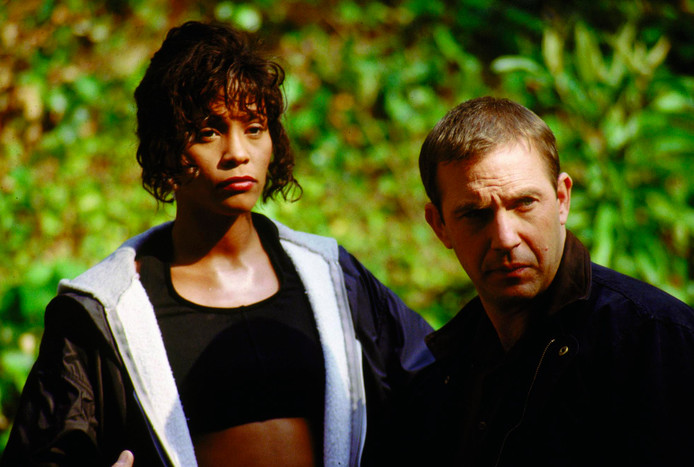 Whitney Houston met Kevin Costner in de film The Bodyguard (1992).