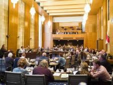 Koç (CDA) wil dat de raad meer de regie pakt in Enschede