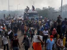 Twee doden bij grens Venezuela, hulpkonvooien gedwarsboomd
