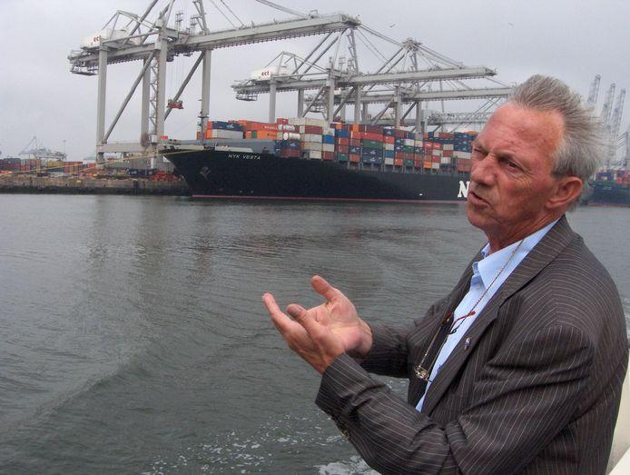Ben, in 2007, in de Rotterdamse haven, waar hij veertig jaar werkte.