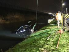 Splinternieuwe Audi belandt in Leidsche Rijn in het water
