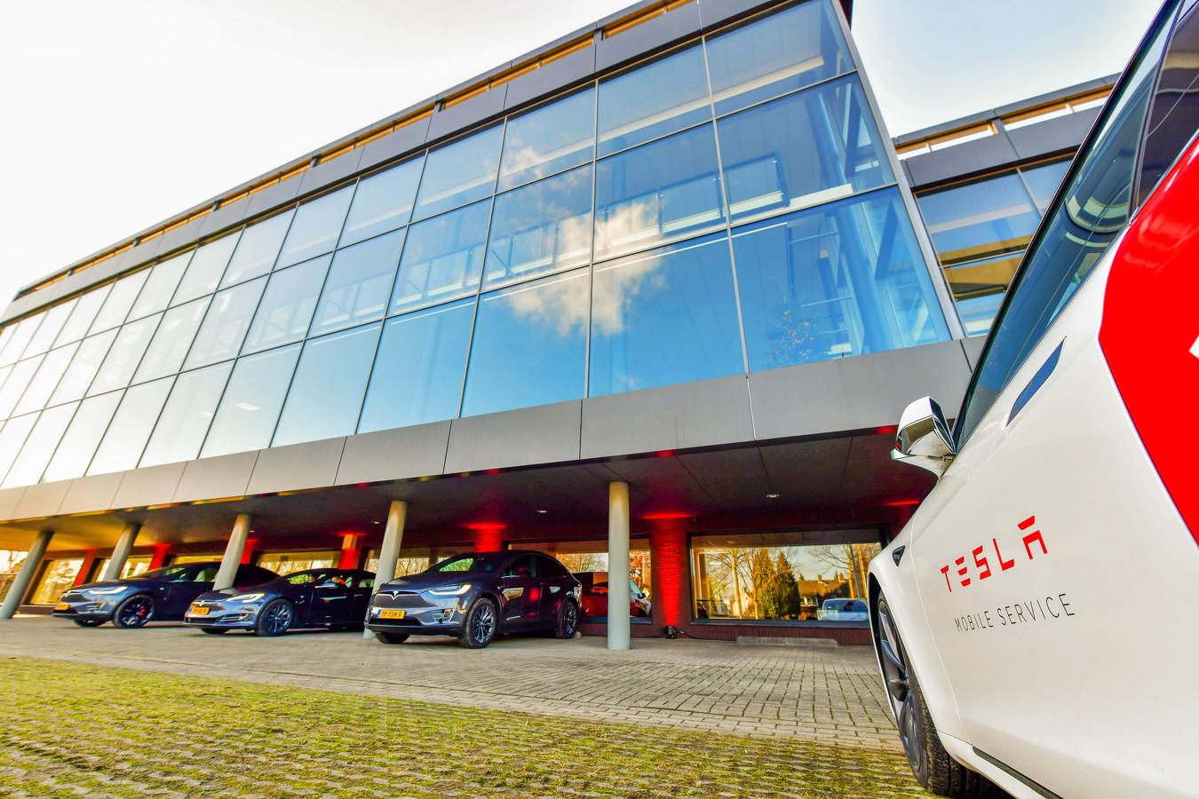 Opening van de nieuwe Tesla vestiging in Eindhoven.