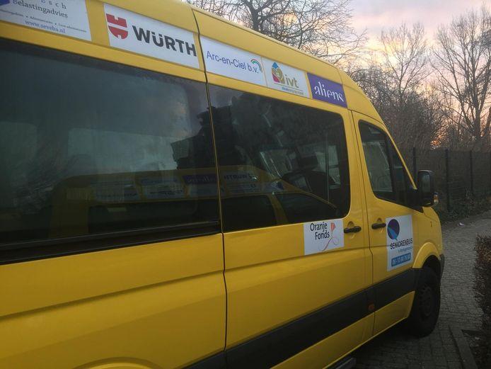 Een van de Seniorenbussen die in de gemeente Den Bosch rijden.