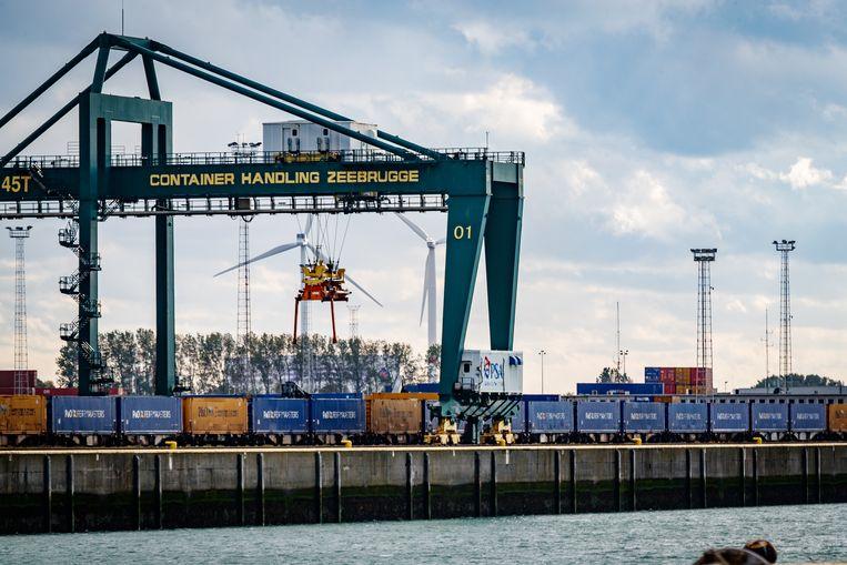 90 procent van de containerterminal in de haven van Zeebrugge is in handen van het Chinese staatsbedrijf China COSCO Shipping.