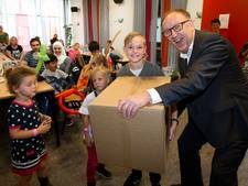 Schotse voetbalfans doneren aan Nationaal Fonds Kinderhulp in Deventer