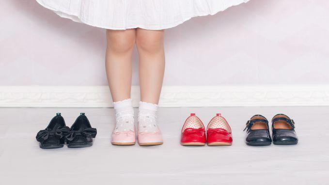 Kleine maatjes, hoge prijzen: Louboutin maakt nu ook kinderschoenen