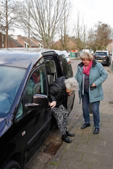 Vrijwilligersdienst achter het stuur: taxidienst Automaatje uitkomst voor Goeree