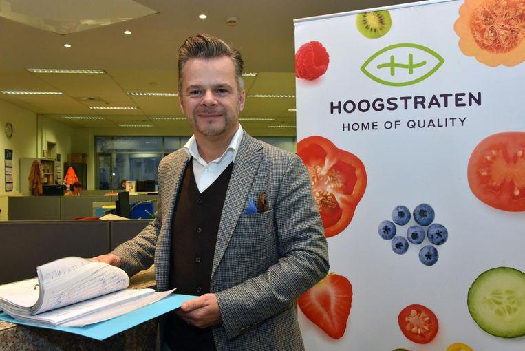 """Sales- en marketingverantwoordelijke Jan Engelen: """"Door het warme weer zijn er te veel tomaten."""""""