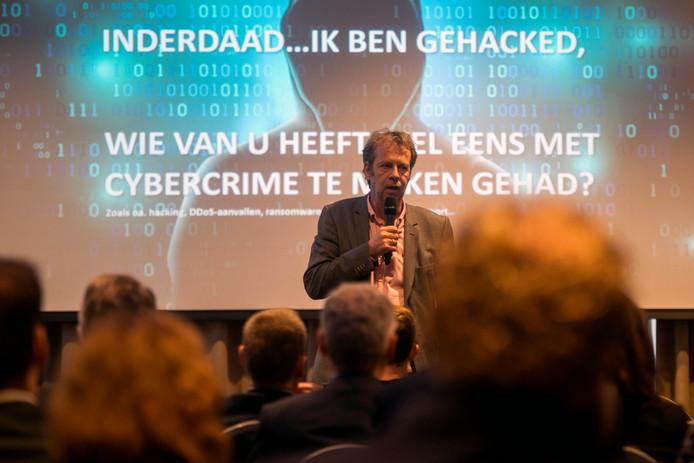 """Ondernemer Xander Koppelmans uit Achtmaal: ,,In twee jaar tijd van zorgeloos naar huisloos, door een hack."""""""